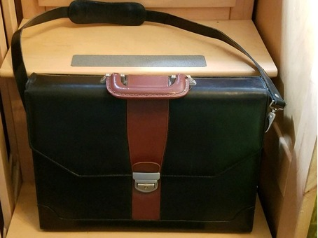 All leather briefcase (womas)